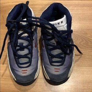 Nike little boy's shoes navy blue/white size 11C